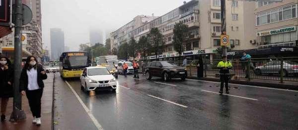 Beşiktaşta milyonluk kaza: 4 araç birbirine girdi
