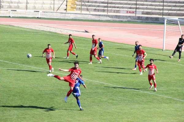 TFF 3. Lig: Karaman Belediyespor: 1 - Belediye Kütahyaspor: 2