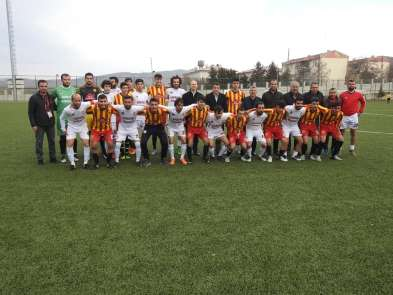 Kaymakamlar Gercüş Bağlarspor-Beşirispor maçını izledi