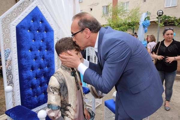Vali Yavuz, gazilerin mutlu günlerine ortak oldu