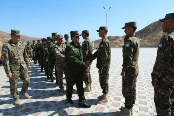 Özbekistan ve Tacikistan'dan teröre karşı ortak askeri tatbikat