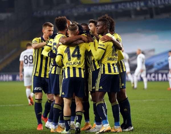 Süper Lig: Fenerbahçe: 2 - Ankaragücü: 0 (İlk yarı)