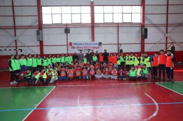 İpekyolu Belediyesinden 'Bir Genç Bir Dünya' projesi