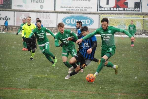 2. Lig Kırmızı Grup: Karacabey Belediyespor: 3 - Kırklarelispor: 1