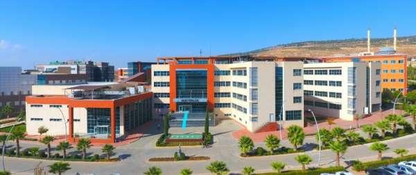 7 Aralık Üniversitesi'ndeki 2 fakulteye yeni dekan atandı