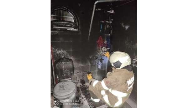 Burhaniye'de tutuşan şofben az kalsın evi yakıyordu