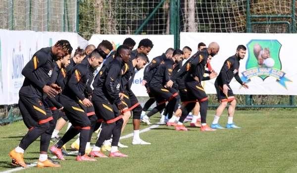 Galatasaray hazırlıklarını Antalya'da sürdürdü