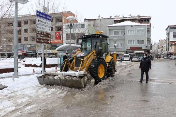 Havza Belediyesi'nde 24 saat kar mesaisi