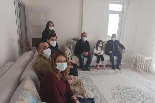 Kaymakam Arslantürk'ten şehit ailesine ziyaret