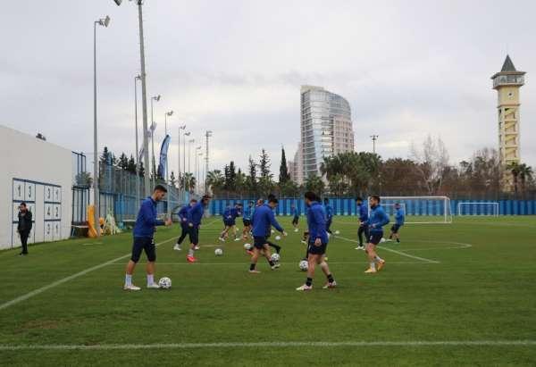 Adana Demirspor her maçı final olarak görüyor