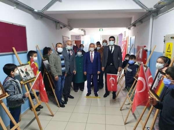 Barbaros Şehit Mehmet Savunmaz Ortaokulundan Çanakkale fotoğrafları sergisi