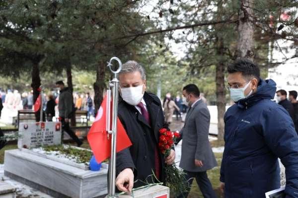 Başkan Palancıoğlu, şehitliği ziyaret etti