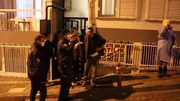 İzmirde yakayı ele veren hırsızlar ev sahibini bıçakladı