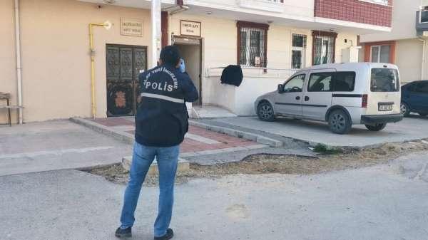 Karantinadaki mahalleye girdi, 37 yerinden bıçakladı