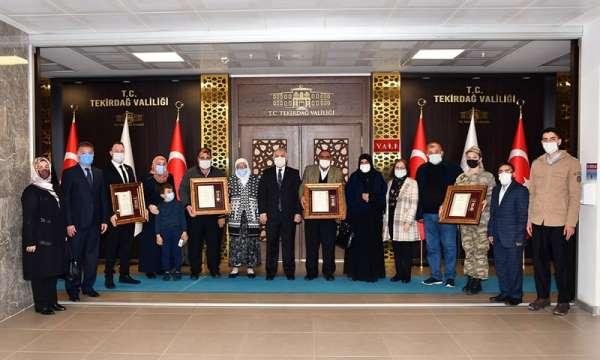 Şehitlerin ailelerine Devlet Övünç Madalyası verildi