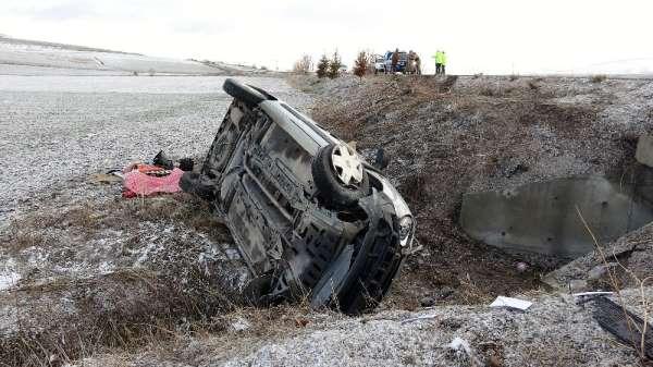 Tokatta gizli buzlanma kazalara neden oldu: 3 yaralı