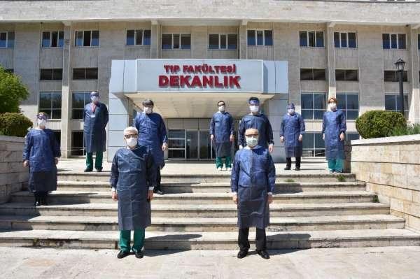 OMÜ Tıp Fakültesi Hastanesi korona virüsüyle mücadelede sahada