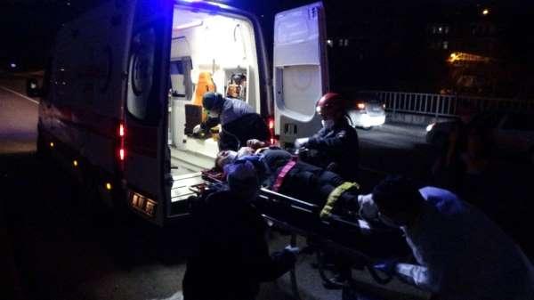 Sokağa çıkma kısıtlamasının olduğu Trabzon'da trafik kazası: 3 yaralı