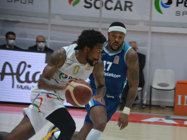 Basketbol Süper Ligi: Aliağa Petkim Spor: 65 - Türk Telekom: 71