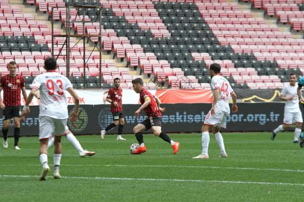 TFF 1. Lig: Eskişehirspor: 0 - Balıkesirspor: 3