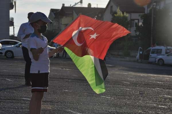 Karamanda İsrailin Filistine yönelik saldırıları protesto edildi