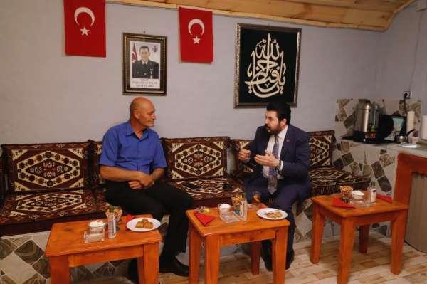 Başkan Sayan, Şehit Harun Aslanın ailesini ziyaret etti