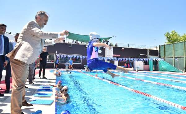 Havuzlar spor okuluyla şenlendi