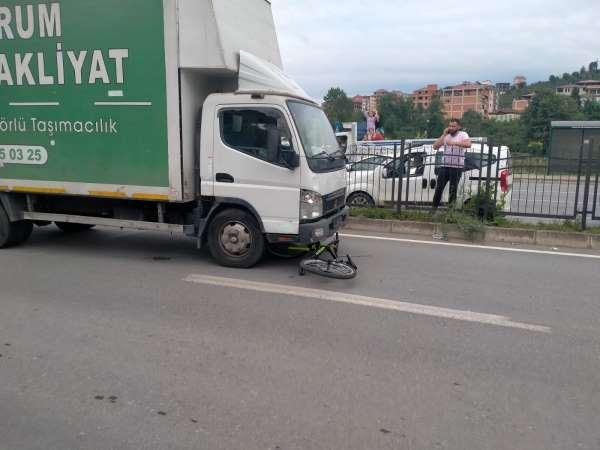 Yarışmadan kazandığı bisikletle kaza yaptı