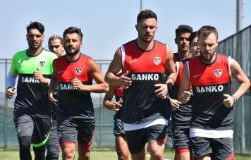 Gaziantep FK, Afyonkarahisar'da ilk antrenmanına çıktı