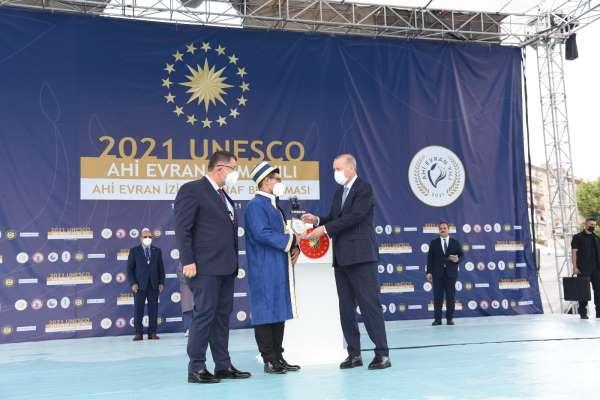 Yılın kalfası ödülü Antalyaya