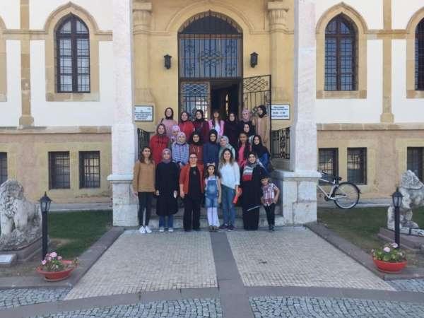 Samsun'lu öğrenciler Çorum müzesinde eğitim görüyor