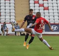 Süper Lig: FT Antalyaspor: 1 - Gaziantep FK: 0 (İlk yarı)