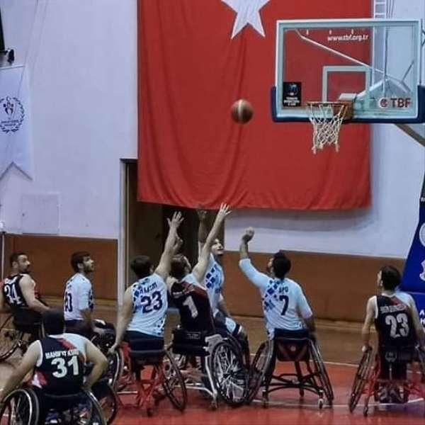 ADÜ Genç Efeler Spor Kulübü Tekerlekli Sandalye Basketbol Takımı 3'te 3 yaptı
