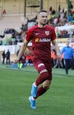 Zoran Kvrzic, ilk maçında kırmızı kart gördü
