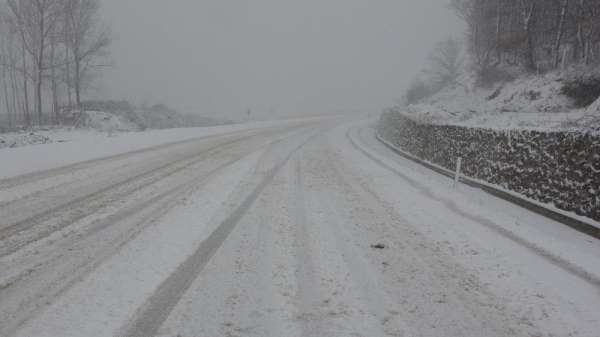 Sinopta 17 köy yolu ulaşıma kapalı