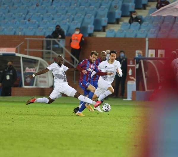 Süper Lig: Trabzonspor:1 - Konyaspor: 0 İlk yarı