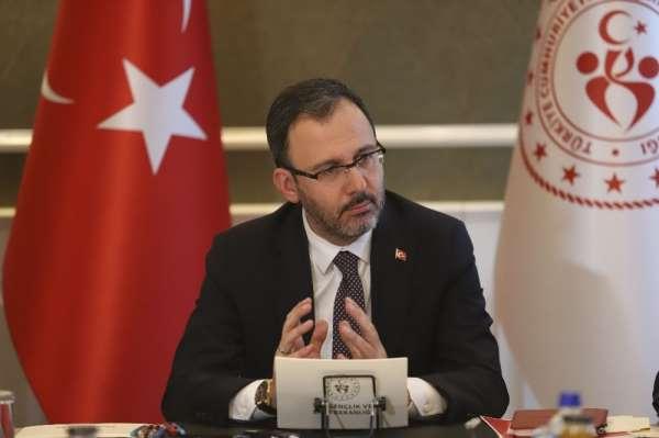 Bakan Kasapoğlu: 'Liglerin ertelenmesine birlikte karar verdik'