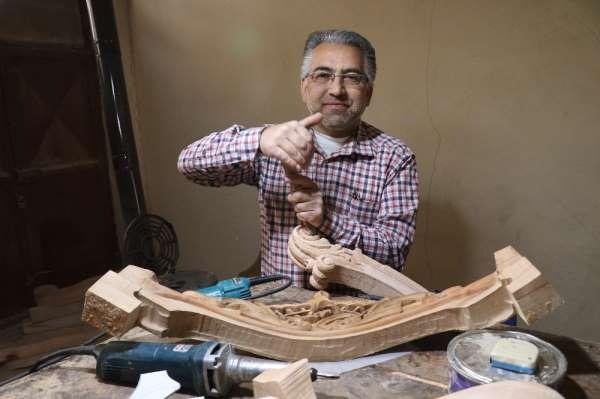 Suriyeli oymacılar Türk mobilya sektörüne canlılık getirdi