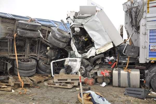 Feci kazada 1i ağır 3 kişi yaralandı