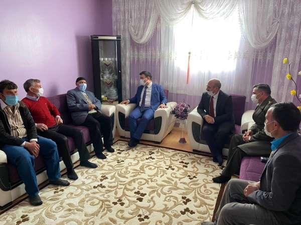 Kaymakam Dertlioğlu ve Başkan Sağlamdan şehit ailelerine ziyaret