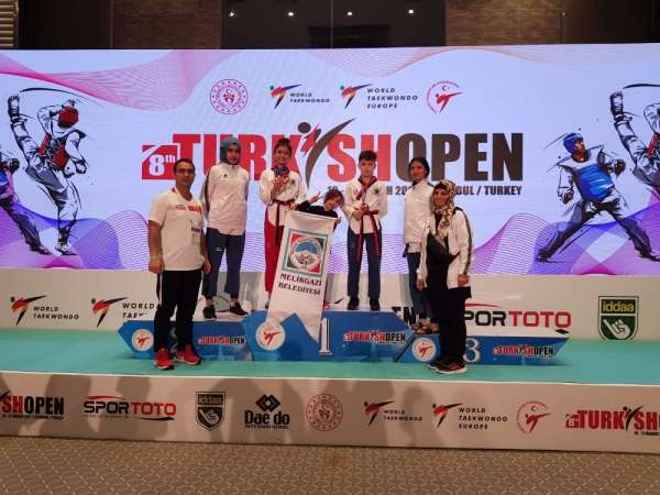 Melikgazi Belediyesinin yıldız sporcuları Uluslararası Turkish Opende parladı