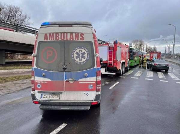Polonyada askerleri taşıyan otobüsler kaza yaptı: 22 yaralı