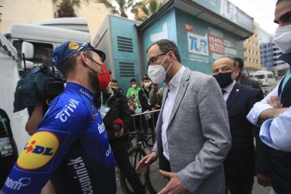 Bakan Kasapoğlu, Mark Cavendish ile bir araya geldi