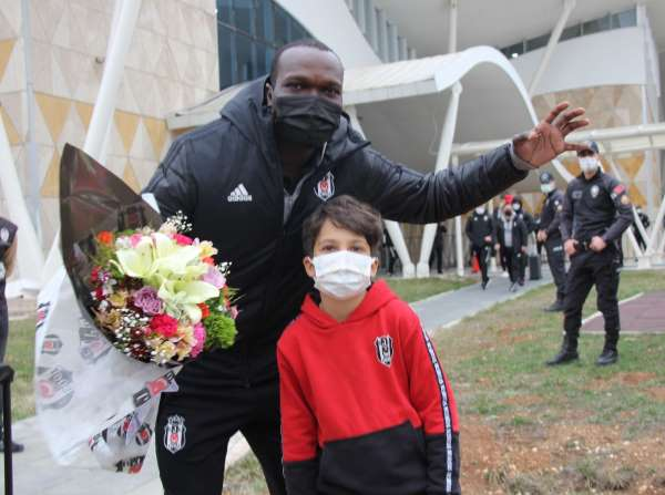 Lider Beşiktaş kafilesi Sivasa geldi