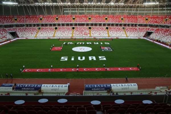 Sivas 4 Eylül Stadyumu'ndan İstiklal Marşı yankılandı