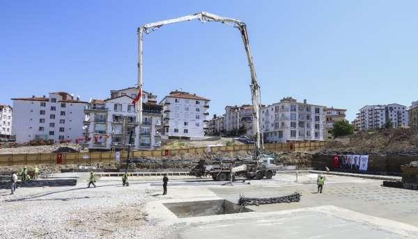 Başkent'te iki yarı olimpik yüzme havuzunun temeli atıldı