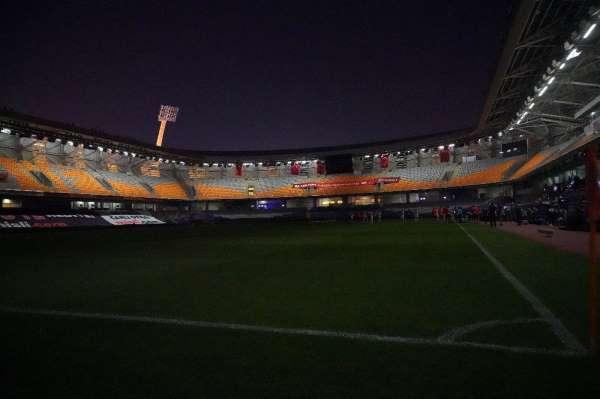 Fatih Terim Stadyumu'nda elektrikler 2. kez kesildi
