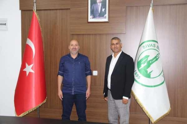 Sivas Belediyespor, Özer Karadaş ile yola devam dedi