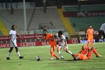 Süper Lig: Aytemiz Alanyaspor: 0 - Denizlispor: 0 (İlk yarı)