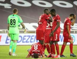 Süper Lig: Sivasspor: 2 - Gençlerbirliği: 0 (Maç sonucu)